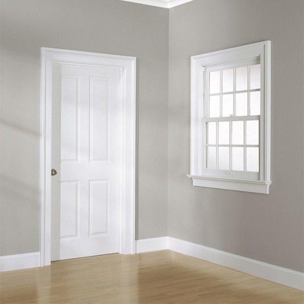 Высокий белый плинтус фото в интерьере